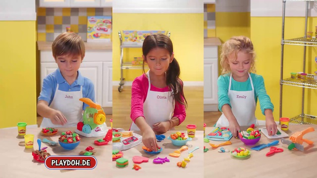 Hasbro - Play-Doh - Schnippel- und Servierset / Brutzel-Herd / Nudelmaschine Video 3