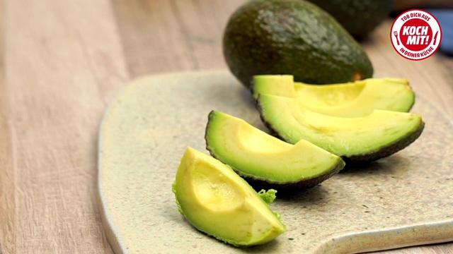 Hähnchen-Avocado-Salat Video 3