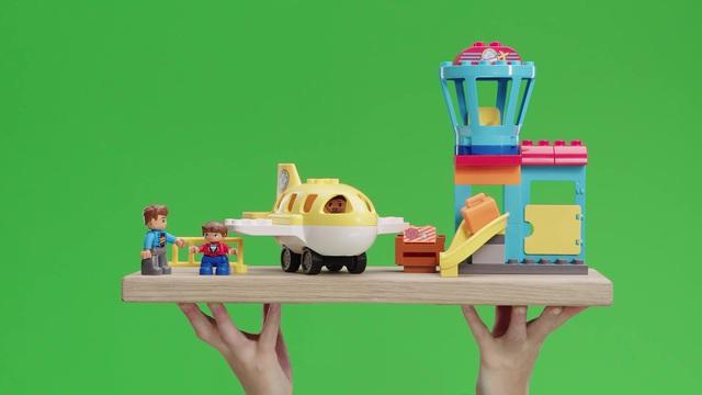 LEGO Duplo - Flughafen 10871 Video 13