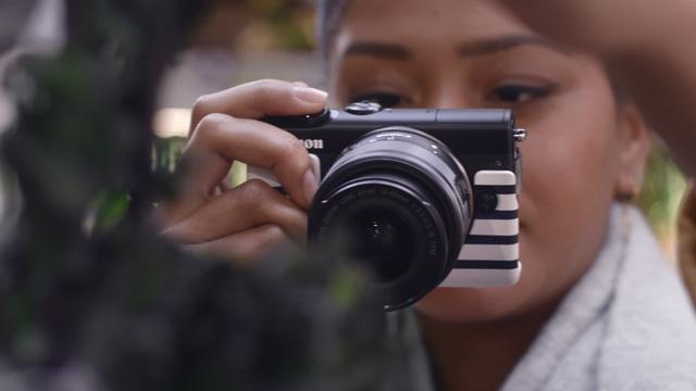 Canon - EOS M100 - Vlogger Tasha Green Video 11