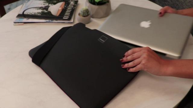 Acme Made - Skinny Sleeve schwarz Video 3